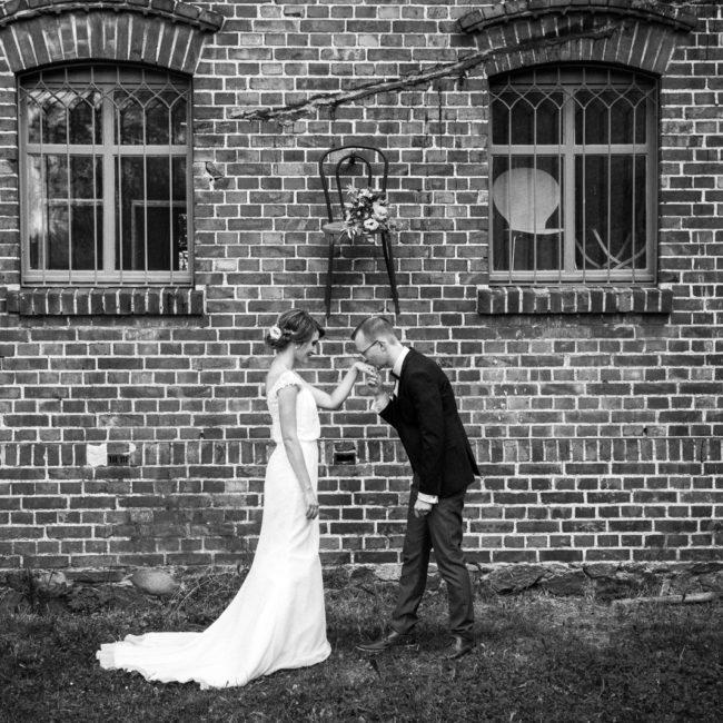 Hochzeit, Kuss, black and white, schwarz, weiß, Berlin Buch